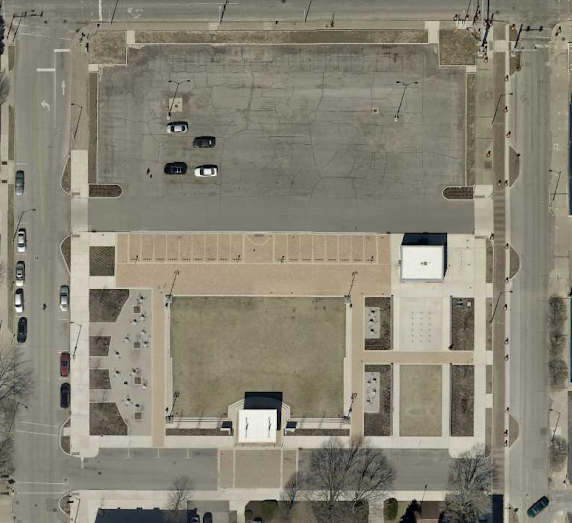 view of elstro plaza (richmond indiana)in 2019 where the richmond farmers market is held